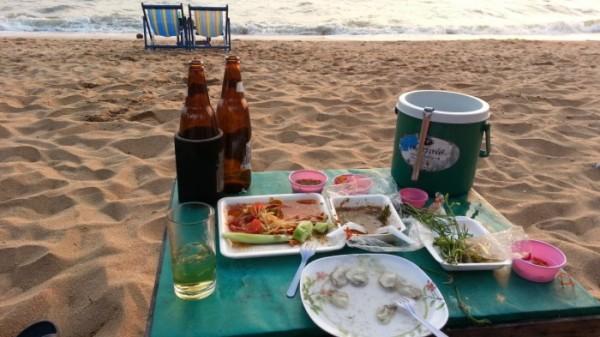 ジョムテンビーチの夕焼け タイの生活・風習