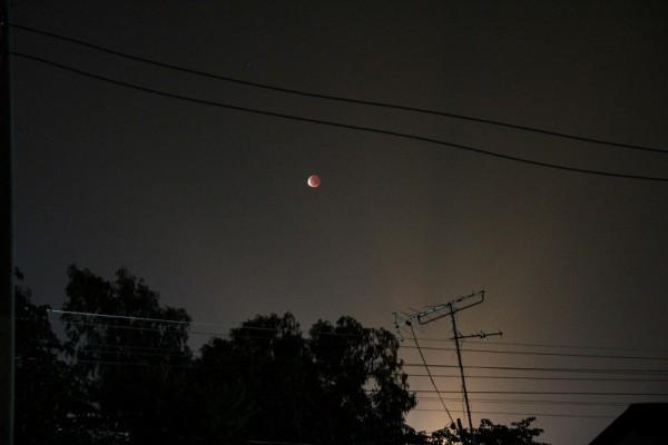 タイで皆既月食