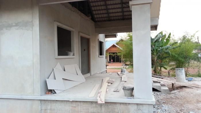 タイに家を建てる 扉とラビアン