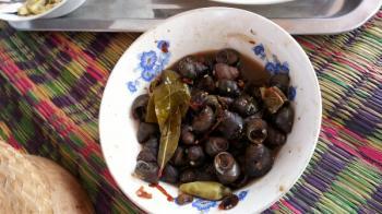 タイの珍味 タニシ? ホイジュ タイの食べ物