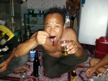 タイの珍味 牛の血のスープ タールア タイの食べ物